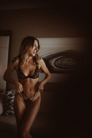 Sabrinel nuru massage in Pleasant View