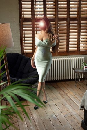 Gratienne erotic massage