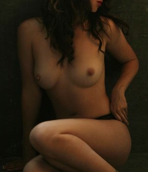 Mahnoor tantra massage