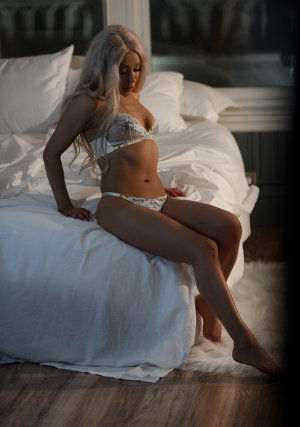 Axeline erotic massage in Fulton NY